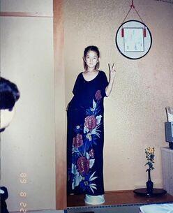 """冨永愛、""""すでにスタイルが超人的""""な7歳の写真公開「脚が長すぎる」"""