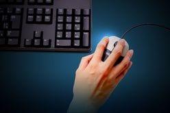 有料サイト「架空請求詐欺」を防ぐ方法! 最前線で戦う警視庁担当官が指南