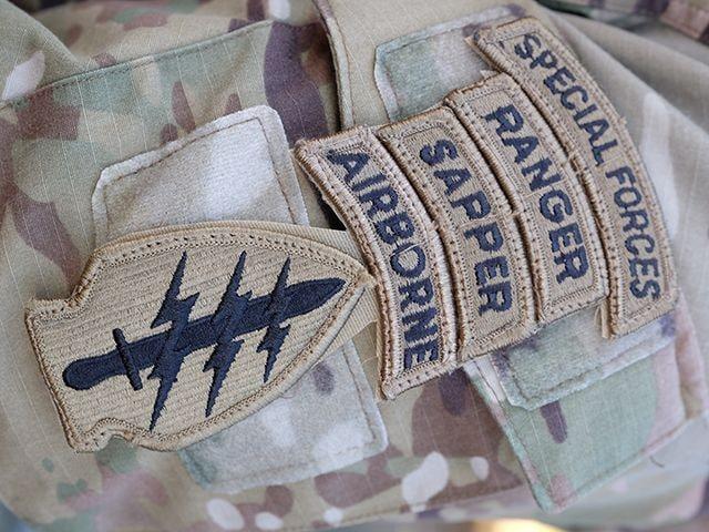 陸上自衛隊×グリーンベレー「厳戒の降下訓練」に密着の画像008