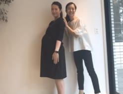 山本モナ、第3子妊娠中の臨月のおなかを公開