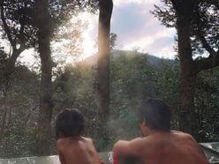 水嶋ヒロ、入浴ショットを公開!「ステキな広い背中」とファンもうっとり