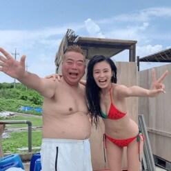 """小島瑠璃子の谷間クッキリ水着姿より気になる! 出川哲郎の""""大人の配慮"""""""