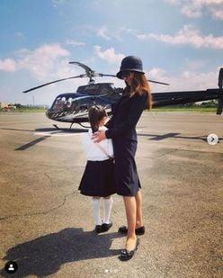 神田うの、ヘリコプターでセレブな家族旅行!「おめでた」疑惑も浮上