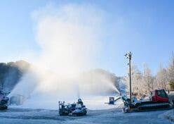 「スキー場マニアへの道」 ~降雪機&造雪機の巻~ シーズンインを支える立役者・フル稼働中!|前編