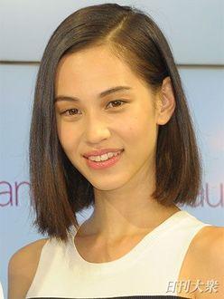 「映画をコケさせる」あの女優のバーター出演で、綾瀬はるか新作映画に不穏な影!?