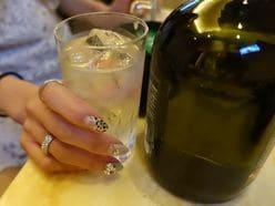 カラオケは米津玄師がモテる!「極上スナック」で乾杯