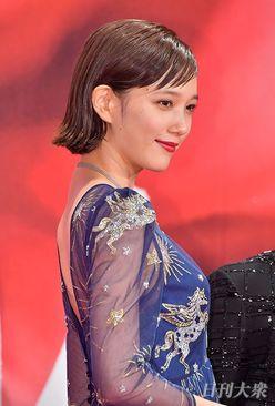 『鋼の錬金術師』本田翼のセクシー透けドレスに、山田涼介も早々退散!