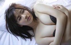 平嶋夏海「親近感の湧く色っぽさ」ムッチリ美女が愛しい表情で……