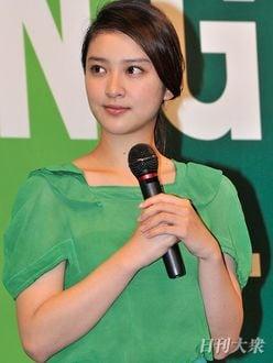 『黒革の手帖』武井咲と江口洋介の「年齢差カップル」にツッコミの嵐!?