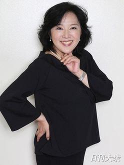"""麻倉未稀「""""70歳まで『ヒーロー』を歌い続けろ""""って言われてます(笑)」ズバリ本音で美女トーク"""
