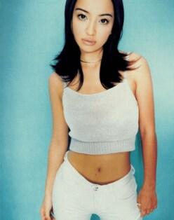 """平子理沙、25年前の""""小麦肌ギャル写真""""に「別人」「ジョジョに出てきそう」の声"""