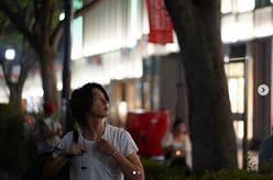 """山下智久、""""ただ街を歩くだけ""""のショットに「顔面がインスタ映え」「人類の奇跡」と絶賛相次ぐ"""