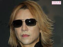 X JAPAN・YOSHIKI、アニメ『深夜!天才バカボン』にまさかの登場!?<br />