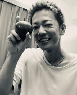 佐藤健、三浦春馬さん死去後初の近影に「痩せすぎ」「大丈夫?」心配の声