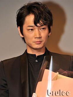 綾野剛、スマホを熱く語る「メカオタクぶり」が高評価!!