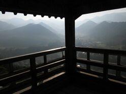 もはや登山!  異名は「山寺」の山形市『立石寺』1015段を1時間かけて登った果ての「異次元の絶景」とは?