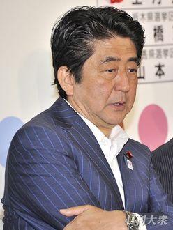 安倍晋三首相と麻生太郎財相「24年目の決別」