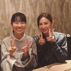 """北川景子&イモトアヤコ、仲良し""""Wピース""""ショットに歓喜!"""