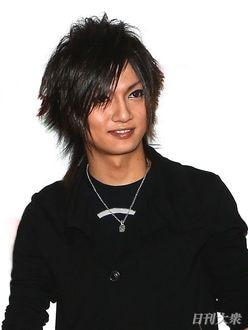 金爆・喜矢武豊「死ぬほどかっこいい!」新髪色が絶賛の嵐