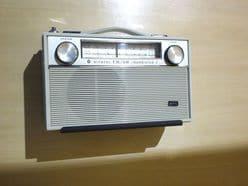 ニッチェ近藤、オリエンタルラジオを「大学生の宴会芸」と辛口批判