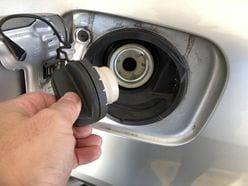 ガソリン200円時代を乗り切る! ドライバー必見「超節約」運転術