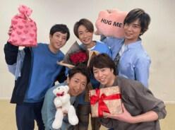 """嵐、5人からの""""バレンタインサプライズ""""に悲鳴!!「夢みたい」「萌死」"""