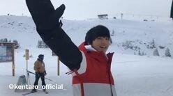伊藤健太郎、さっそうと滑るスノボ動画に胸キュン! 「ゲレンデの天使」と反響続々