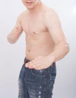 櫻井翔、岡田准一に本気で肘を決められ床をのたうち回る