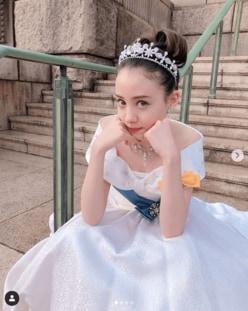 トリンドル玲奈の純白ドレス姿に「リアルプリンセス」と絶賛の声