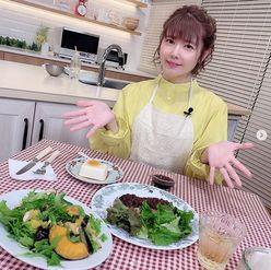 """新妻・竹達彩奈の""""エプロン&手料理ショット""""に「梶さんがうらやましい」"""