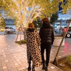 """GLAY・TAKURO&岩堀せり夫妻の""""手つなぎショット""""に「100万回いいねしたい」"""