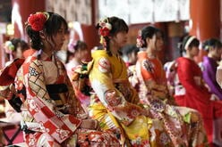 AKB48鈴木優香、横山結衣、坂口渚沙、倉野尾成美ほか17名の『雑草魂世代』メンバーが成人!【画像11枚】