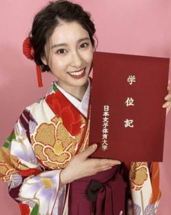 """土屋太鳳、""""大学8年生""""でついに卒業!!「学んだことを心の栄養に」"""