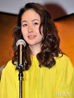 大人気!昭和顔女優・黒木華「素顔は肉食」疑惑を検証