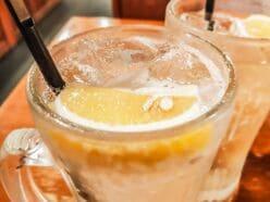 家飲み応援「10倍おいしくなる」プロ伝授レモンサワーの作り方
