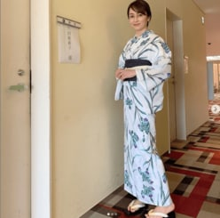 矢田亜希子、色気漂う浴衣姿で魅了「七夕美人」「美しい織姫」