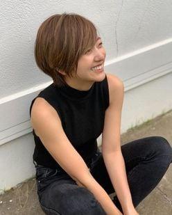 元AAA・伊藤千晃、ショートヘアに大胆イメチェン!「Nissyに似てる」の声も