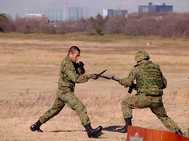 陸上自衛隊×グリーンベレー「厳戒の降下訓練」に密着の画像010