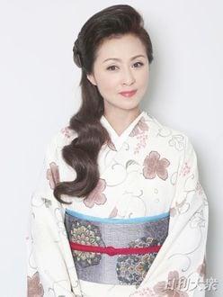 長山洋子「演歌歌手デビュー直前に、急遽アイドルになったんです」ズバリ本音で美女トーク