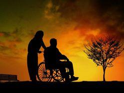 恋愛、大喧嘩、事件…老人ホームの知られざる闇