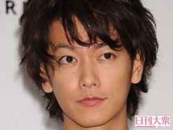 『恋はつづくよ』佐藤健「実質チュー」の採血シーンに、視聴者が興奮状態