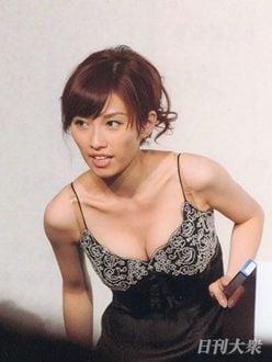 亀井京子アナ「バスト強調カット」はテレ東スタッフの指示だったことを暴露!