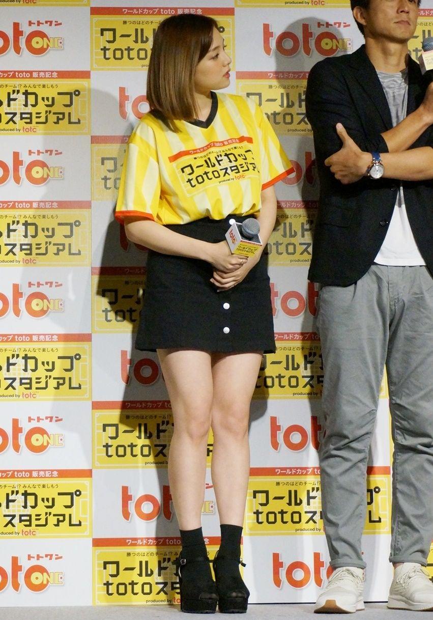 【リポート動画付】「ワールドカップは女目線で観ます」篠崎愛、大注目のイケメン選手とは!?の画像002