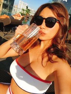 葉月あや「ビールのキャンギャルになって!」G乳娘がジョッキ片手に決め顔