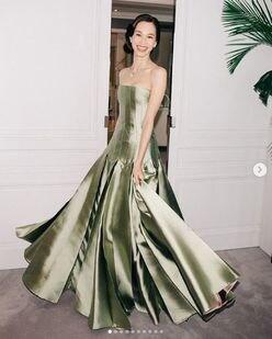 水原希子「まるでプリンセス」ドレス姿に世界中から称賛の嵐!