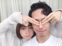 """篠田麻里子""""3歳年下夫""""との2ショットに「隠しきれないイケメン感」の声"""