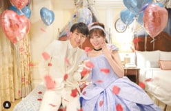 ディズニー系YouTuberあいにゃん、シンデレラ風ドレスで婚約報告!