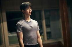 """『わかっていても』で人気急上昇の韓流俳優!""""Netflixの息子""""ソン・ガンが魅せる「甘い童顔と分厚い胸筋」"""