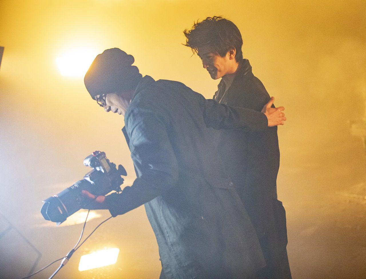 撮影:永瀬正敏/岩田剛典3rd写真集『SPIN』(講談社)より