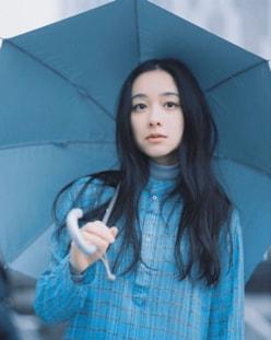 """唐田えりかの穴を埋める⁉""""清楚系女優""""堀田真由がブレイクに王手!!"""